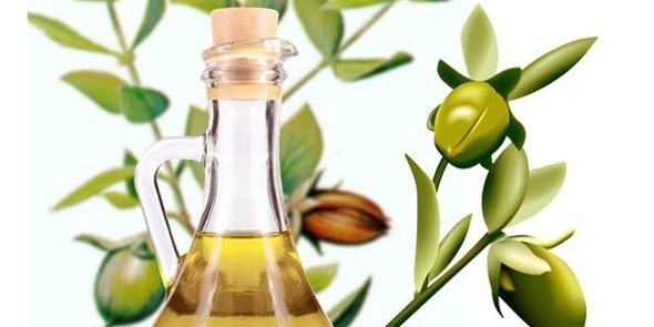 Jojoba Oil and Its Hair and Skin Benefits