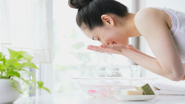 tips-to-choose-best-cleanser-for-dry-skin-on-face-best-cleansers