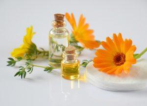 essential oils 2738555 960 720
