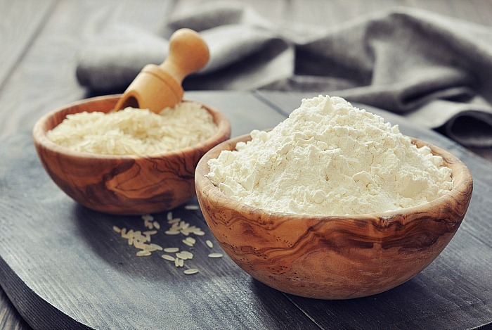 Rice Powder and Gram Flour Face Pack