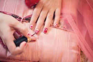 painting fingernails 635261 960 720
