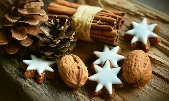 cinnamon stars 2991174 340