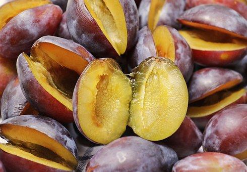 plums 3641844 340