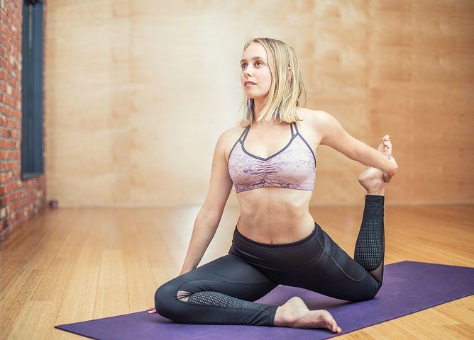 yoga 3053487 480