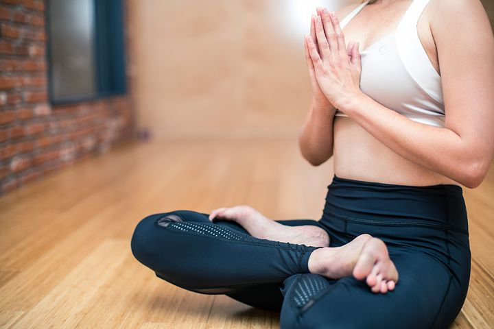 yoga 3053488 480
