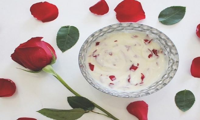 Rose Petals and Yogurt Face Pack