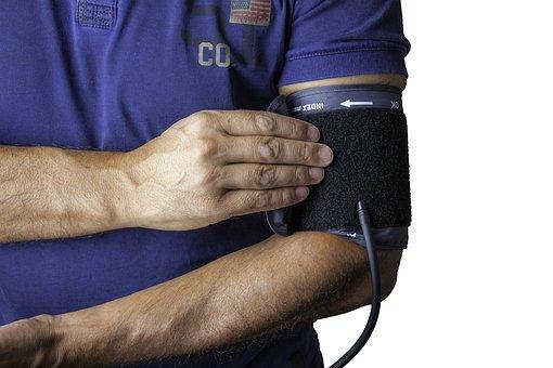 blood pressure monitor 1749577 340