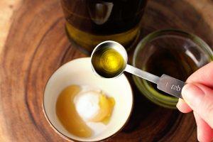 tea-tree-oil-and-baking-soda